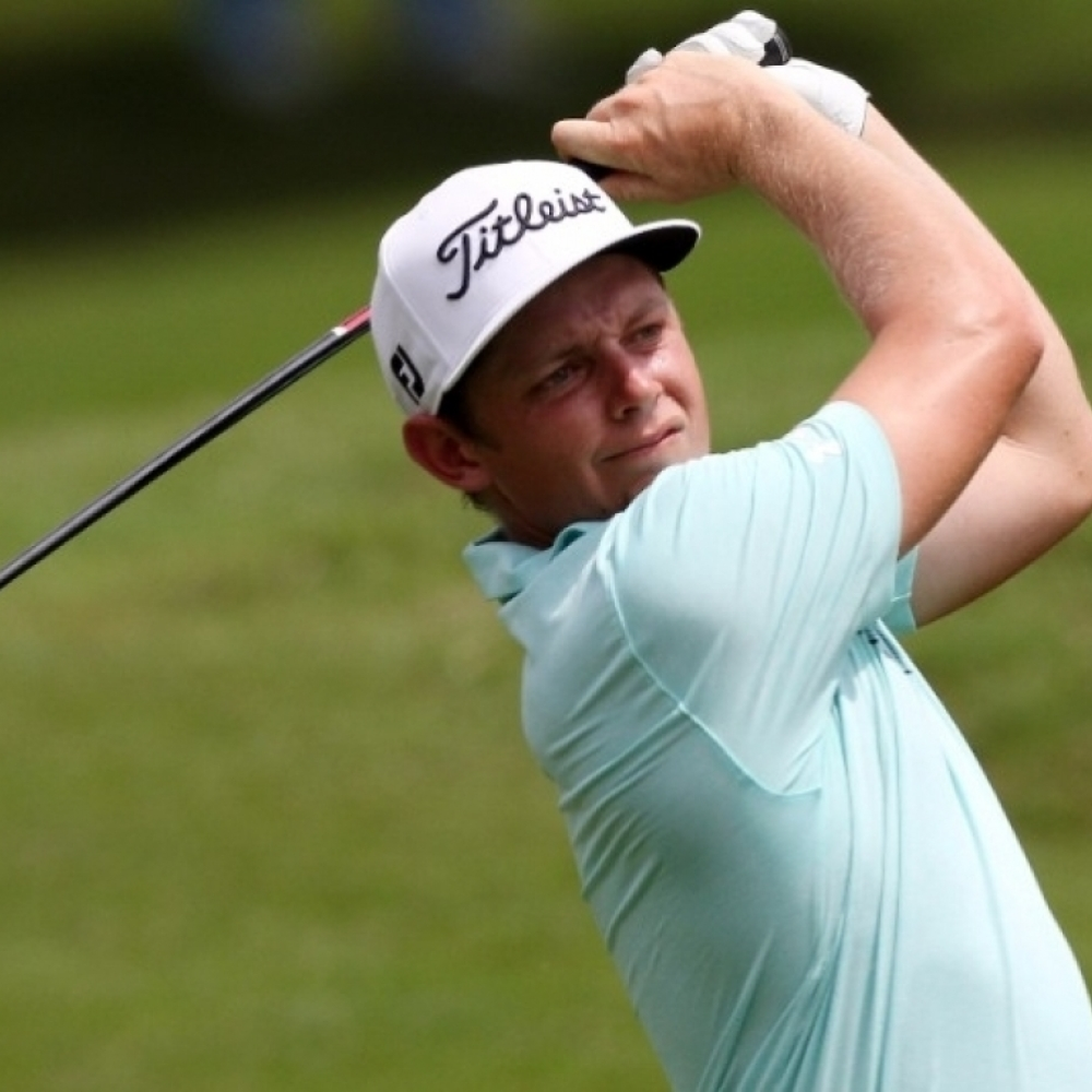 Smith leads CIMB Classic by one