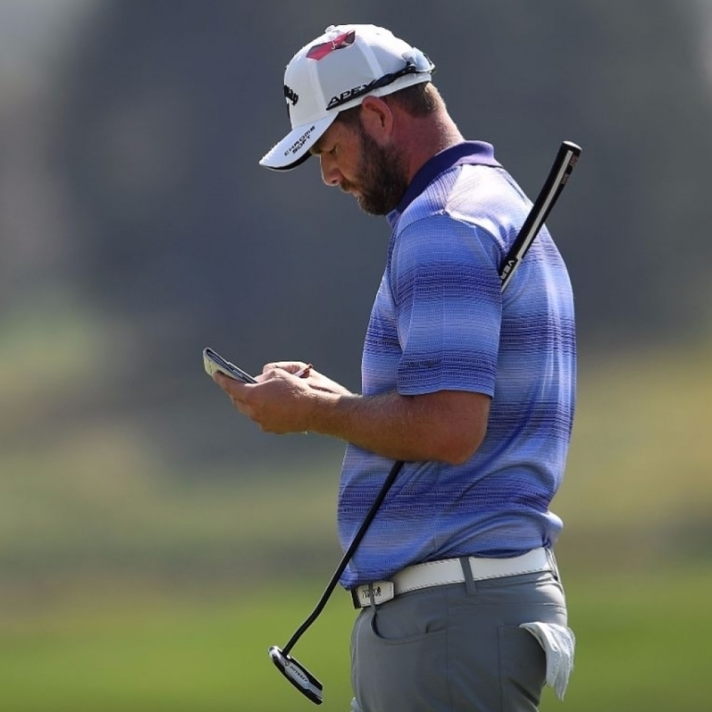 Career low round sees Leishman take BMW lead